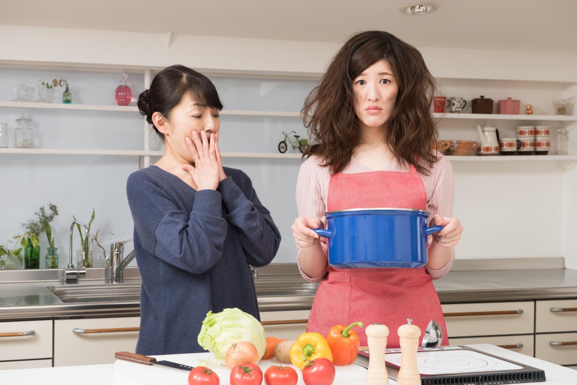 料理がダメ?彼女が料理できないと気づいた時に彼氏が考えること