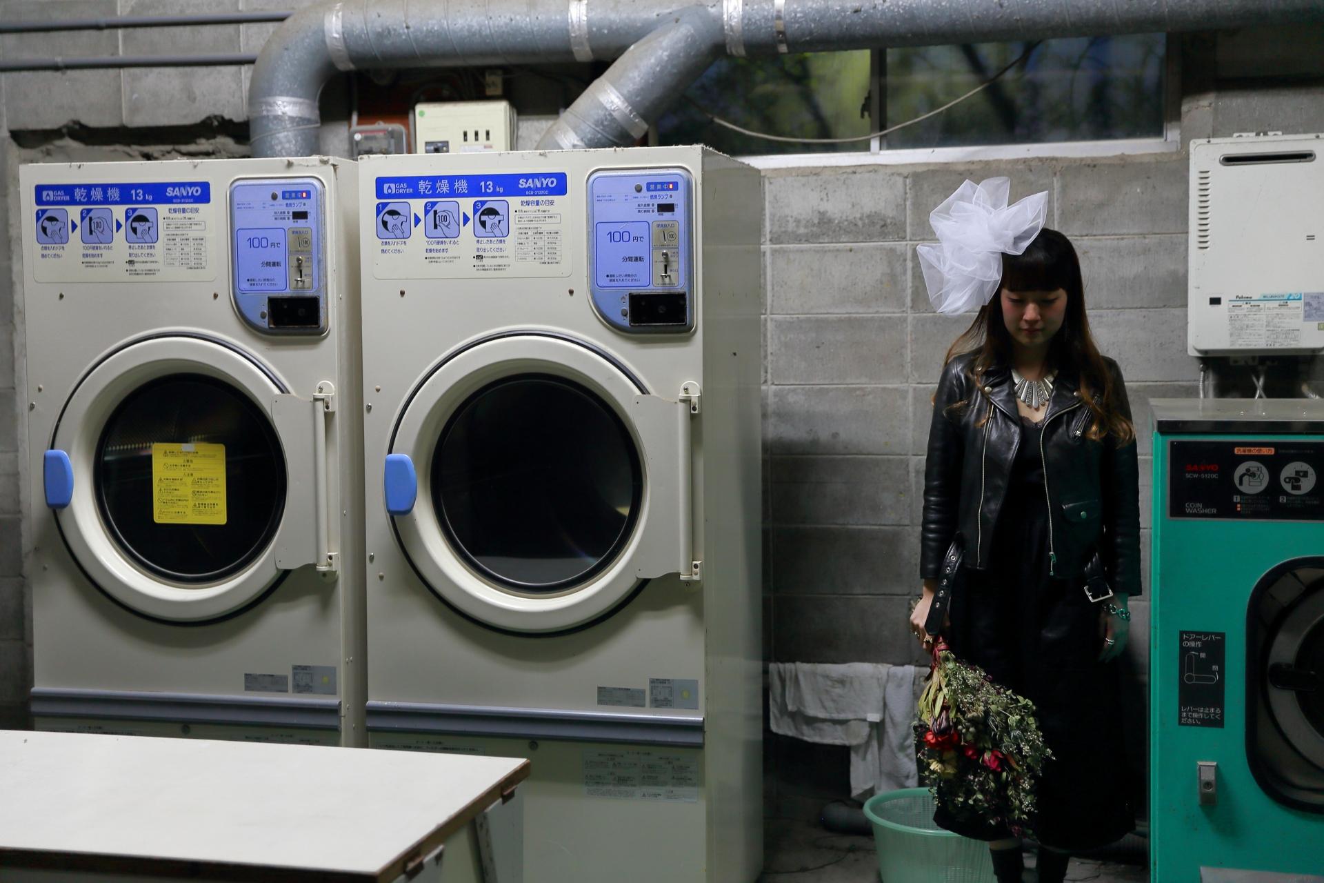 夜の洗濯物を外に干すことのメリット・デメリットと心配点